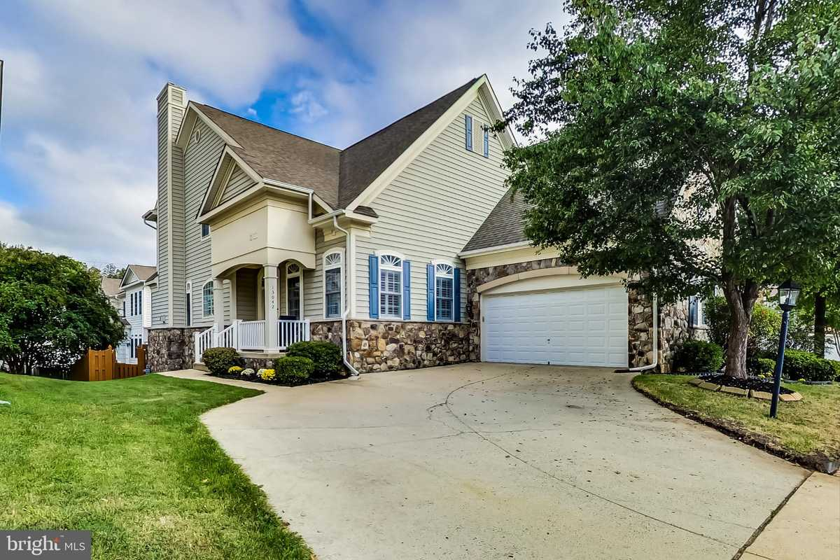 $899,999 - 5Br/5Ba -  for Sale in Willow Oaks, Fairfax