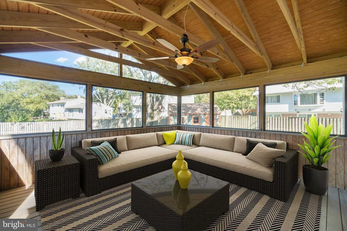 $859,999 - 3Br/3Ba -  for Sale in Dunn Loring Woods, Vienna