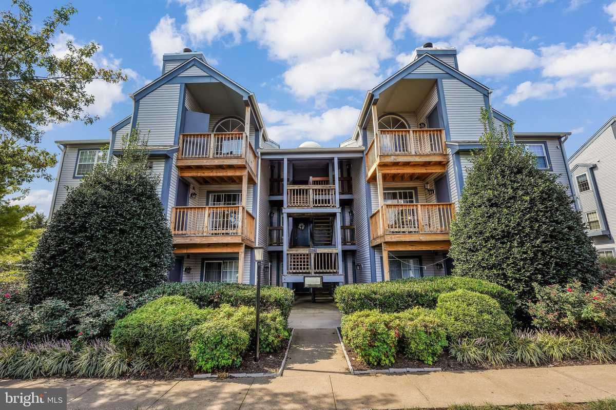 $289,900 - 2Br/2Ba -  for Sale in Manchester Lakes, Alexandria