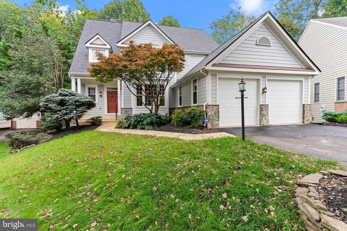 $839,900 - 4Br/4Ba -  for Sale in Westcott Woods, Reston