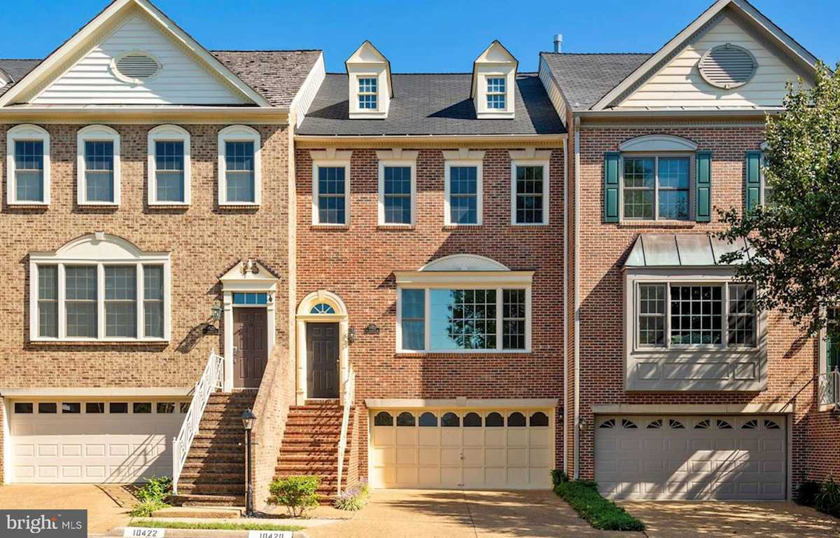 $724,900 - 3Br/4Ba -  for Sale in Courthouse Square, Fairfax
