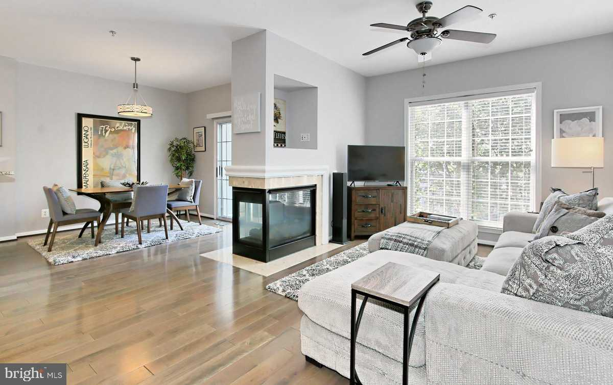 $485,000 - 2Br/3Ba -  for Sale in Overlook, Alexandria