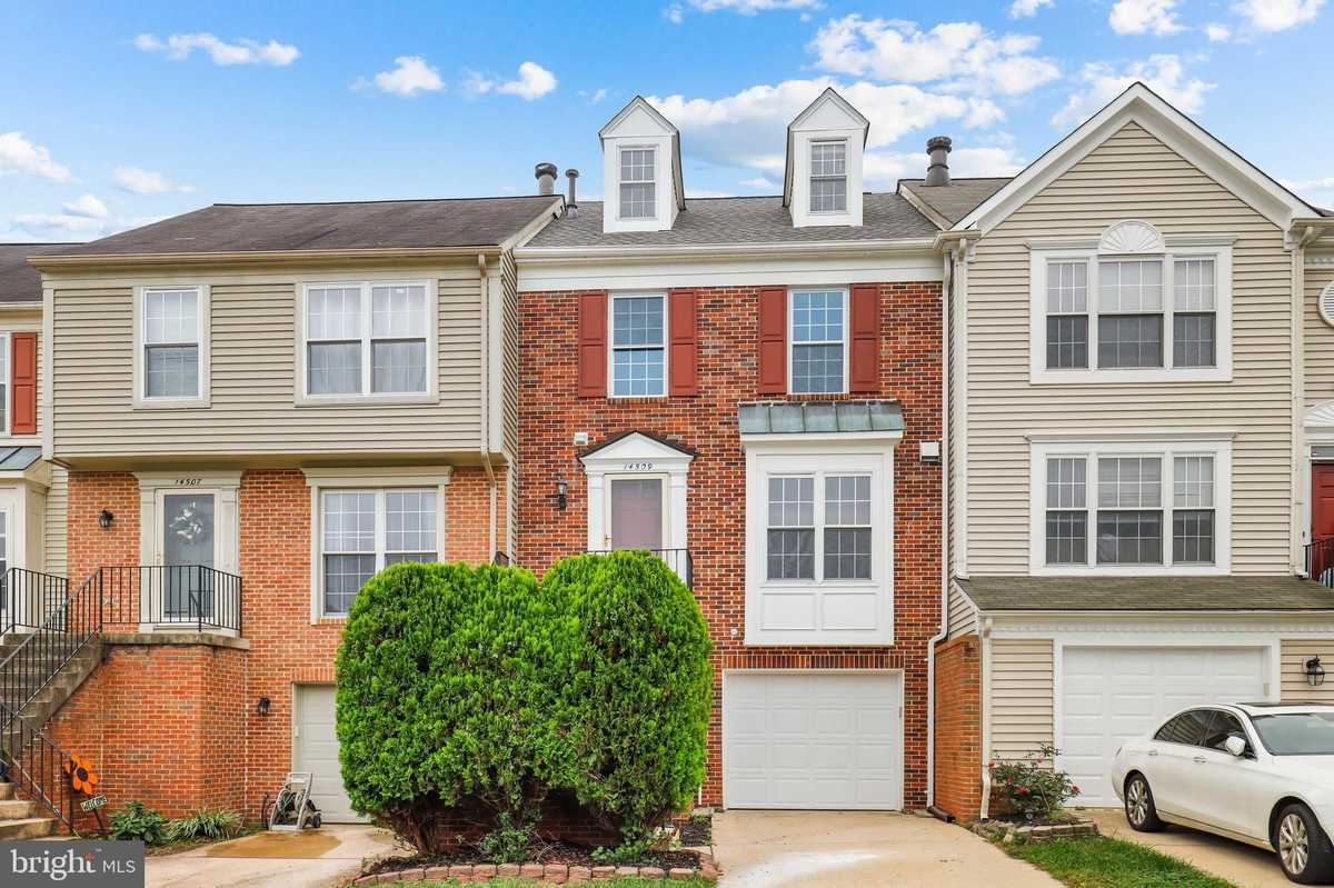 $530,000 - 2Br/3Ba -  for Sale in Woodgate Manor, Centreville