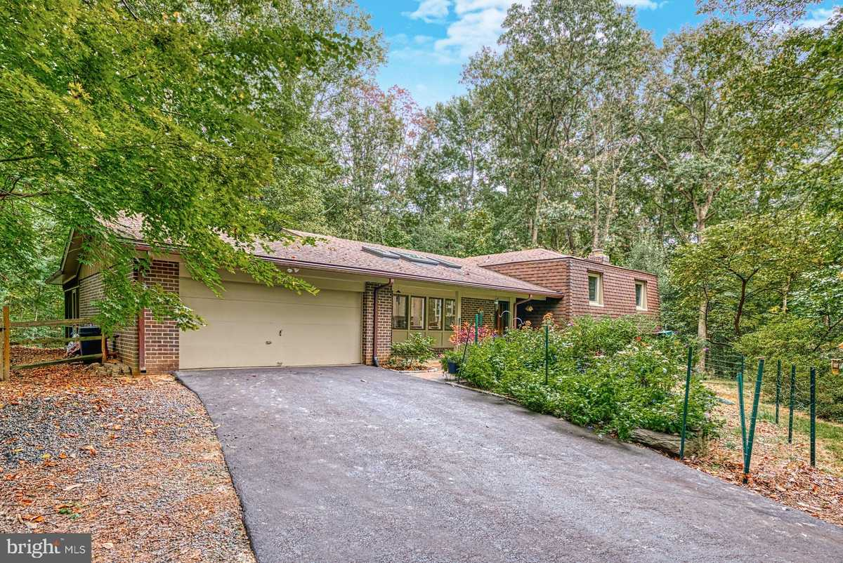 $840,000 - 5Br/3Ba -  for Sale in Reston, Reston