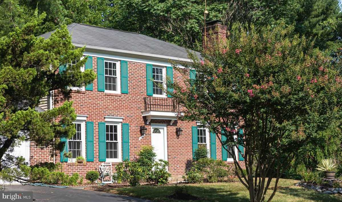 $970,000 - 4Br/4Ba -  for Sale in Wolf Trap Green, Great Falls