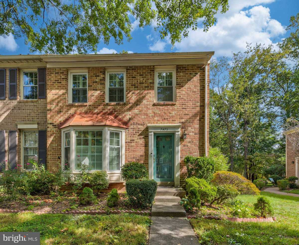 $524,999 - 4Br/4Ba -  for Sale in Lafayette Park West, Annandale