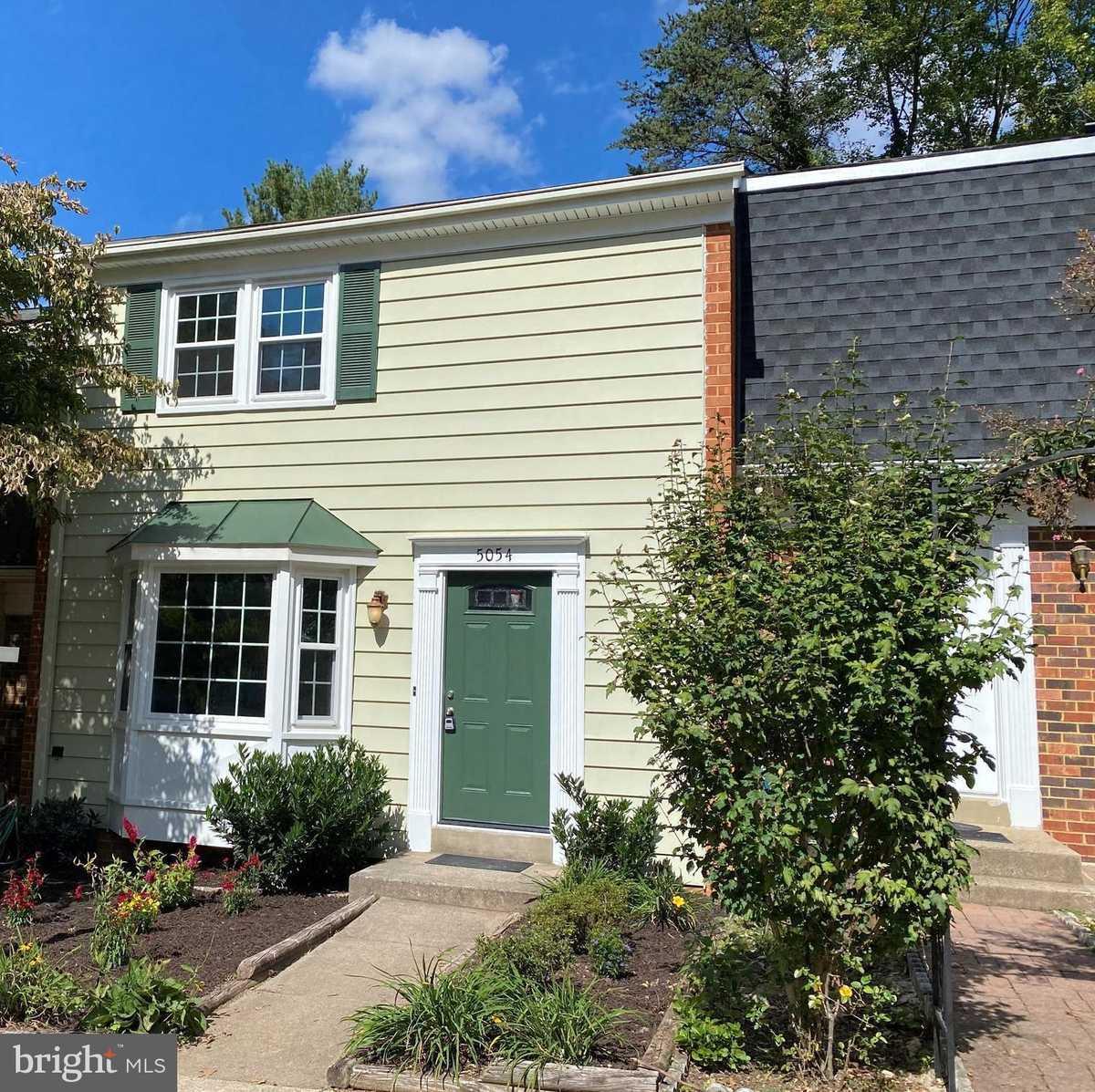$484,000 - 3Br/4Ba -  for Sale in Twinbrook, Fairfax