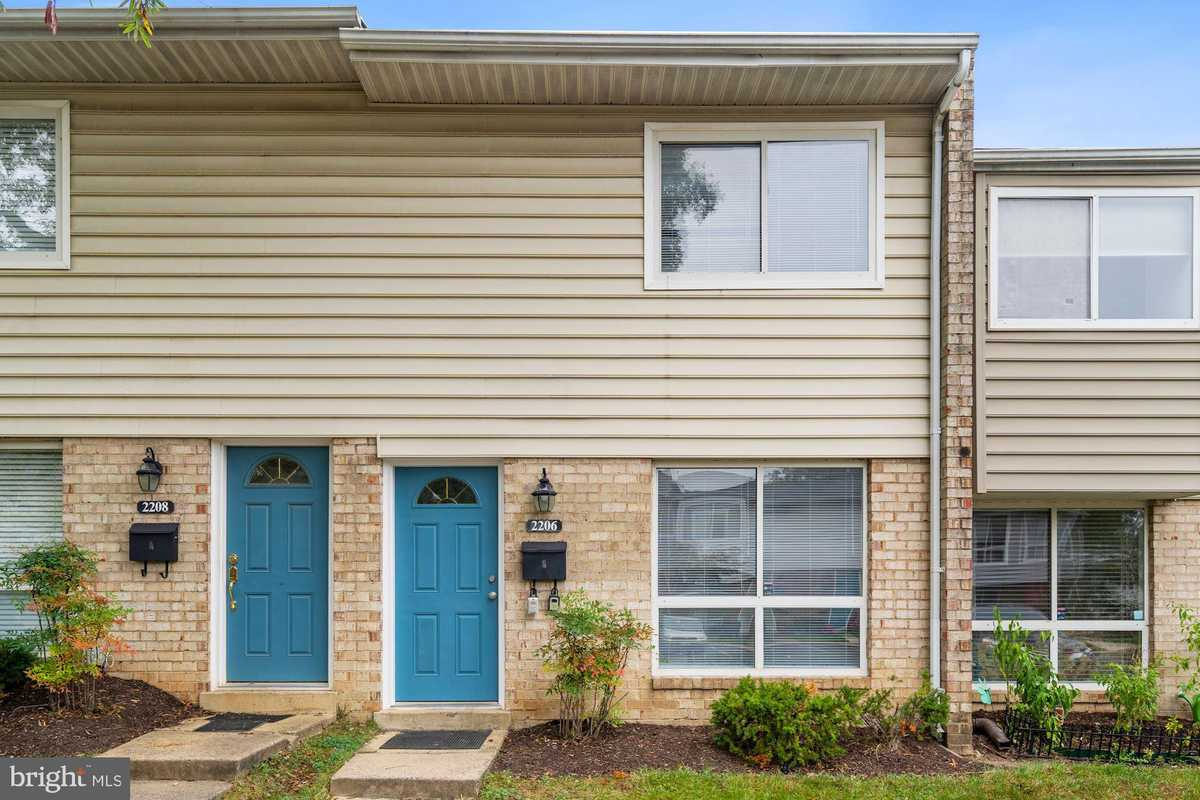 $304,900 - 2Br/1Ba -  for Sale in Reflection Lake, Herndon