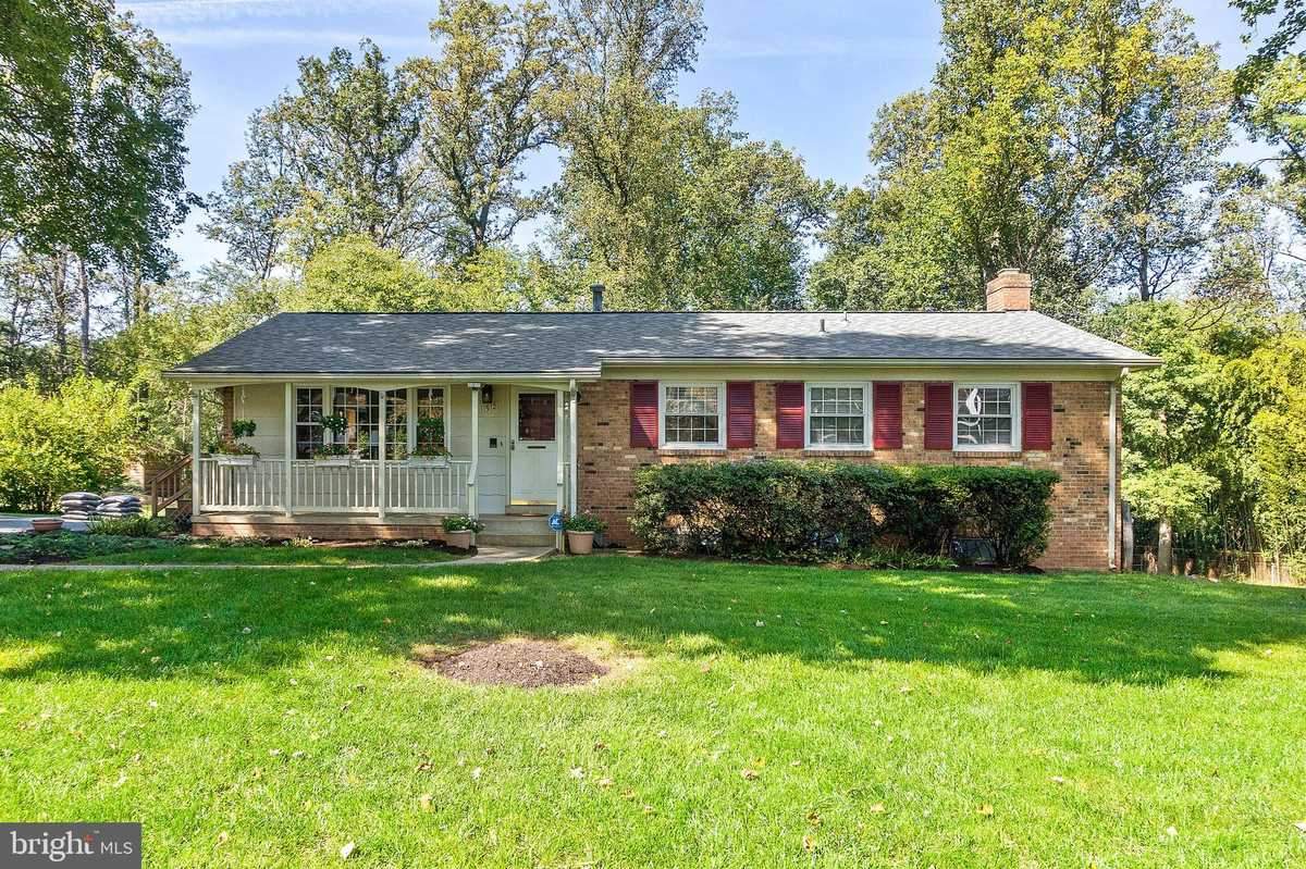 $775,000 - 4Br/3Ba -  for Sale in Valewood Manor, Oakton