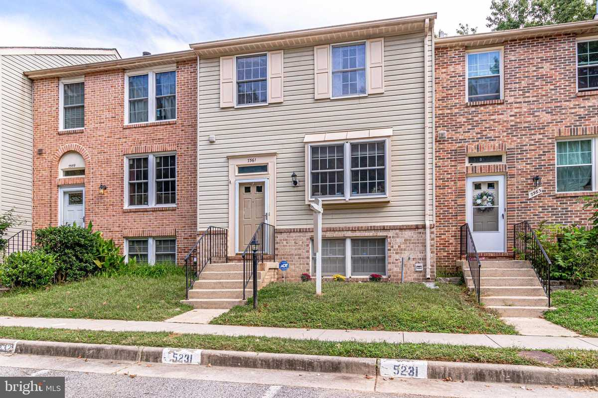 $434,900 - 3Br/4Ba -  for Sale in Pohick Village, Lorton