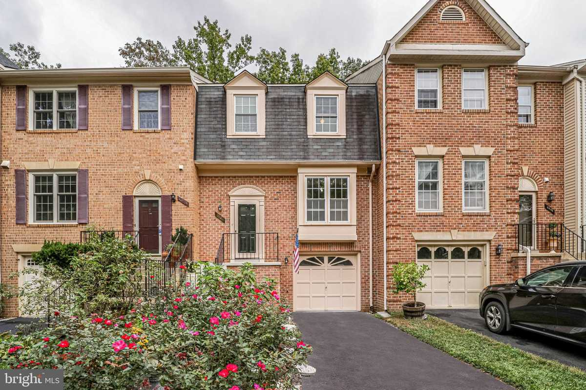 $595,000 - 3Br/4Ba -  for Sale in Daventry, Springfield