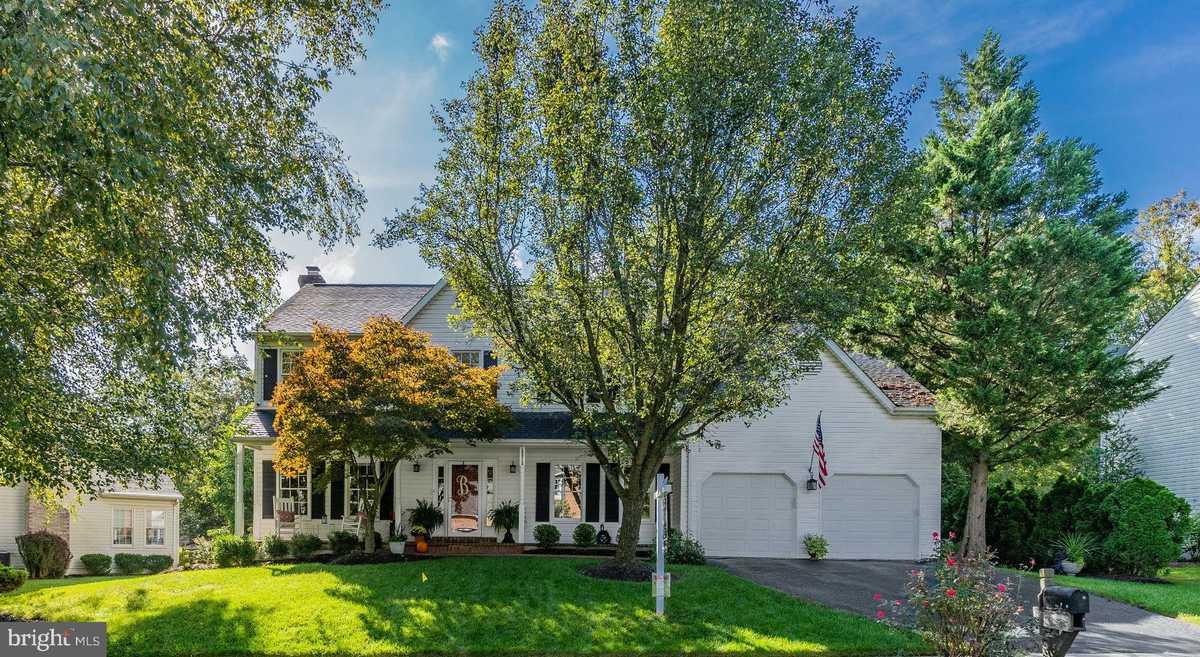$750,000 - 4Br/4Ba -  for Sale in Weltman Estates, Centreville