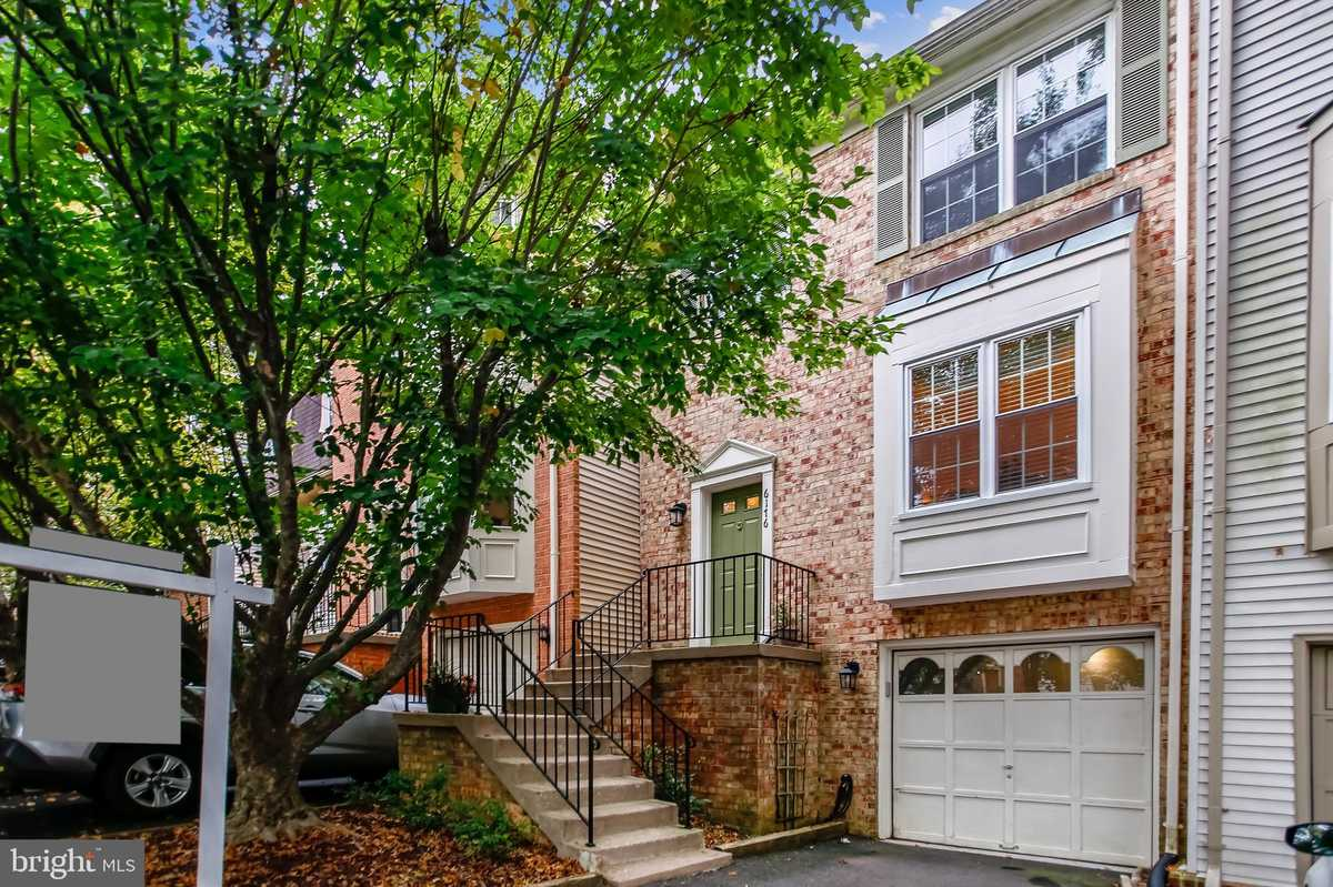 $519,900 - 3Br/4Ba -  for Sale in Timbers The, Springfield