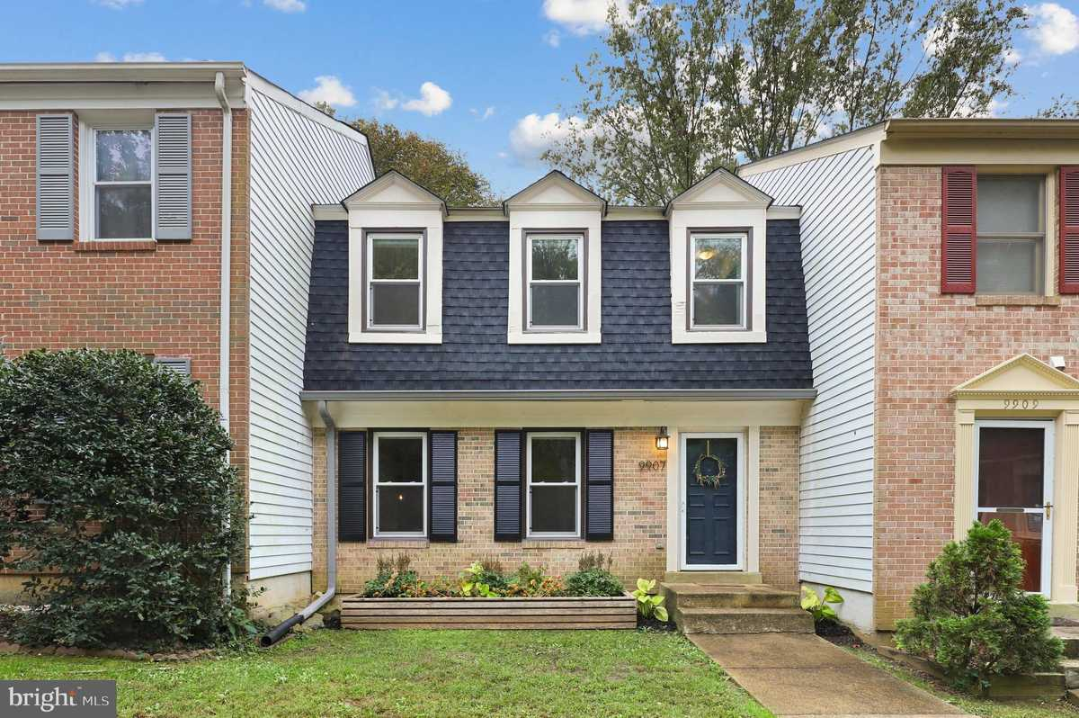 $565,000 - 3Br/4Ba -  for Sale in Villa D Este Village, Fairfax