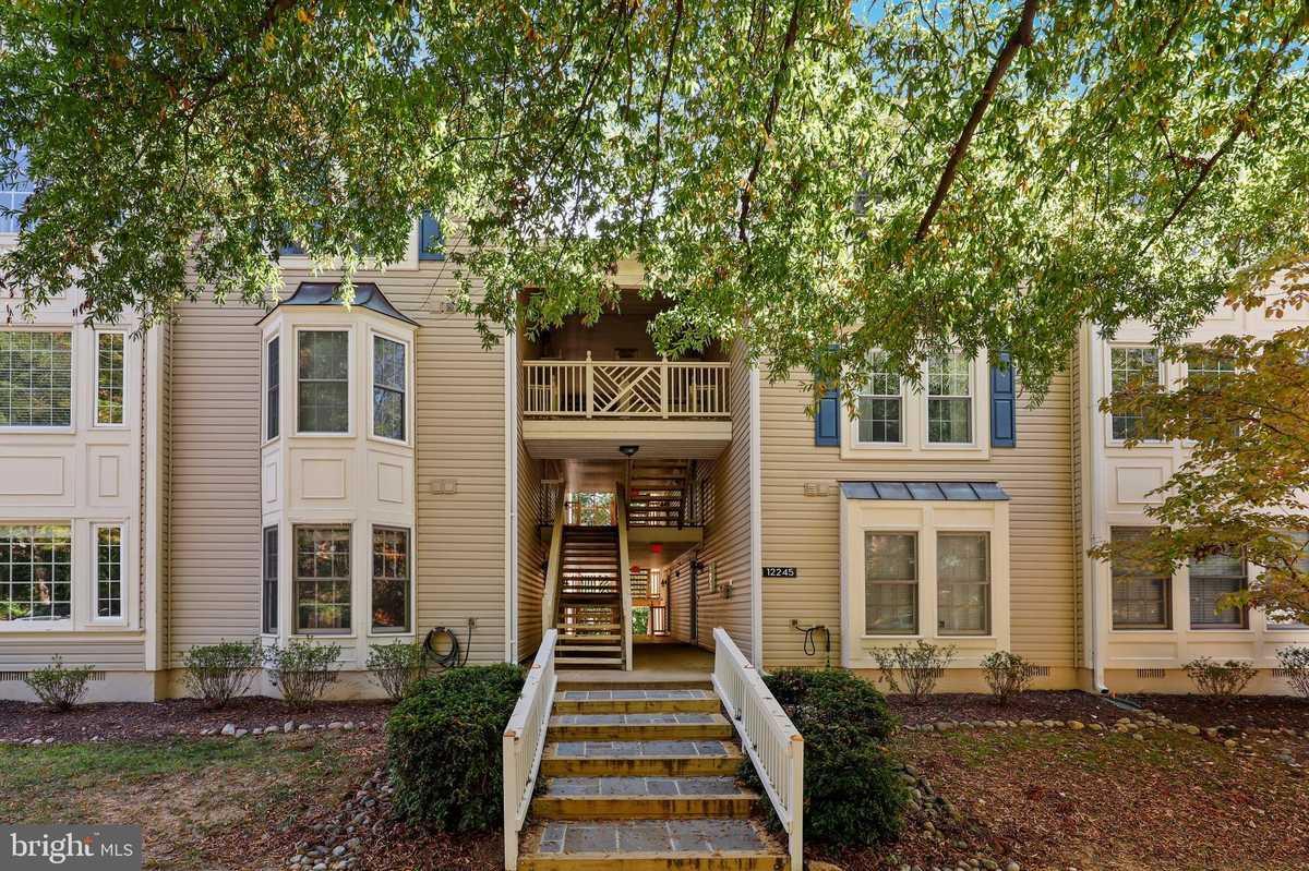 $359,000 - 2Br/2Ba -  for Sale in Fairfield House, Fairfax