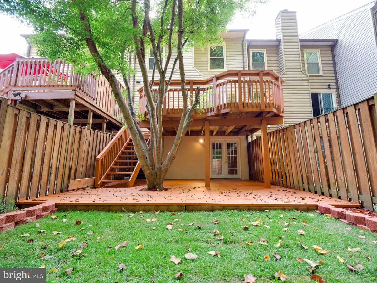 $514,900 - 3Br/4Ba -  for Sale in Shannon Station, Springfield