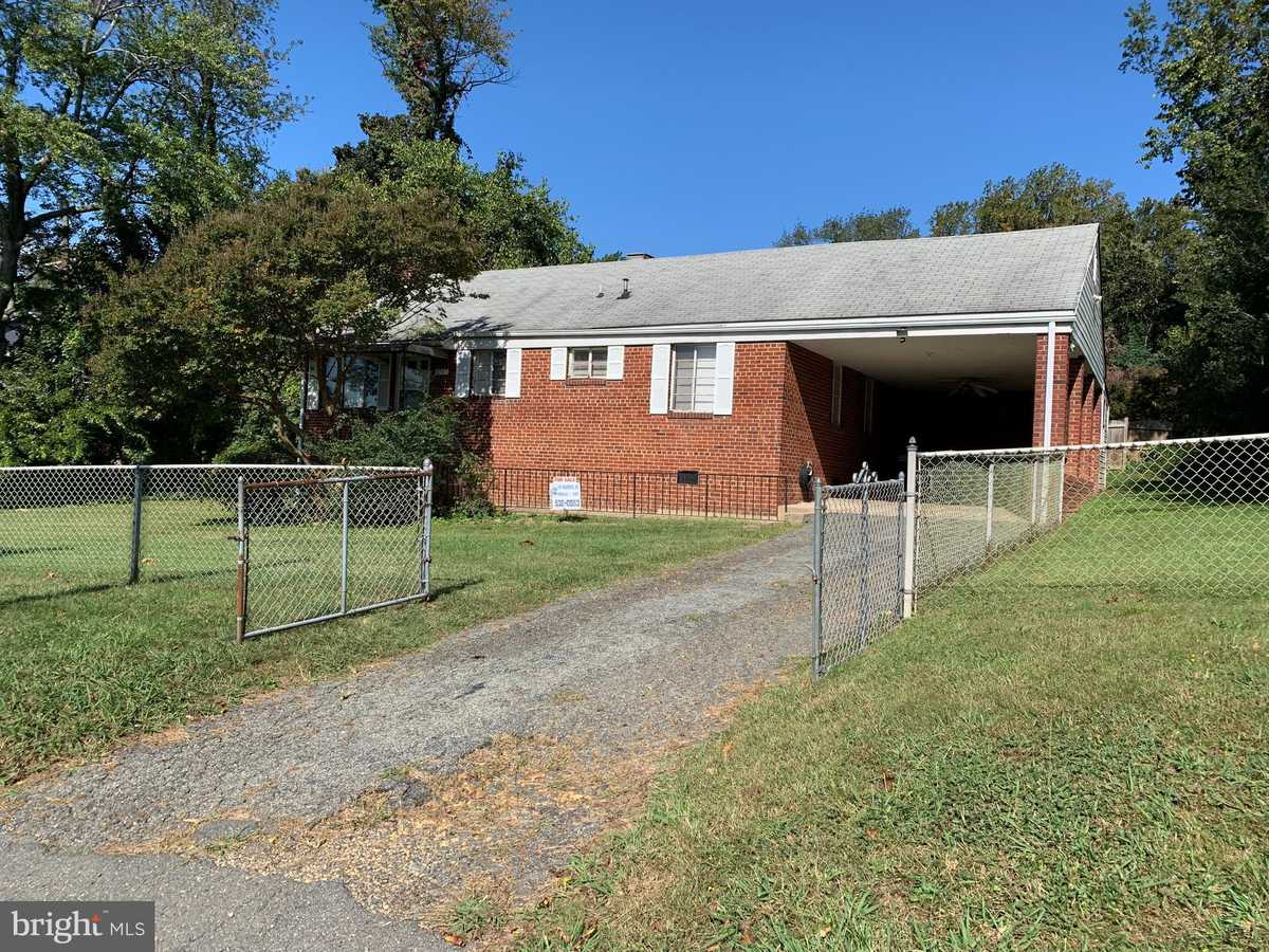 $659,000 - 3Br/1Ba -  for Sale in Donna Lee Gardens, Falls Church
