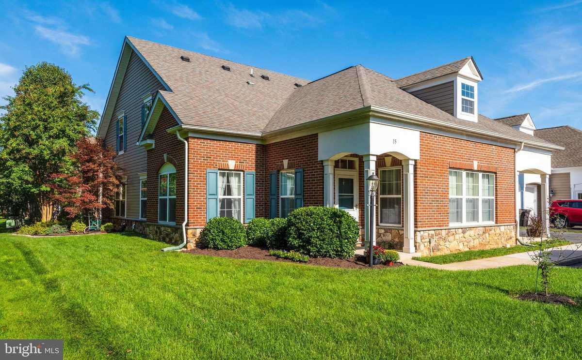 $390,000 - 3Br/3Ba -  for Sale in Heritage Highlands, Lovettsville