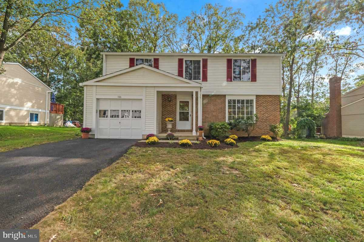 $565,000 - 3Br/3Ba -  for Sale in Forest Ridge, Sterling