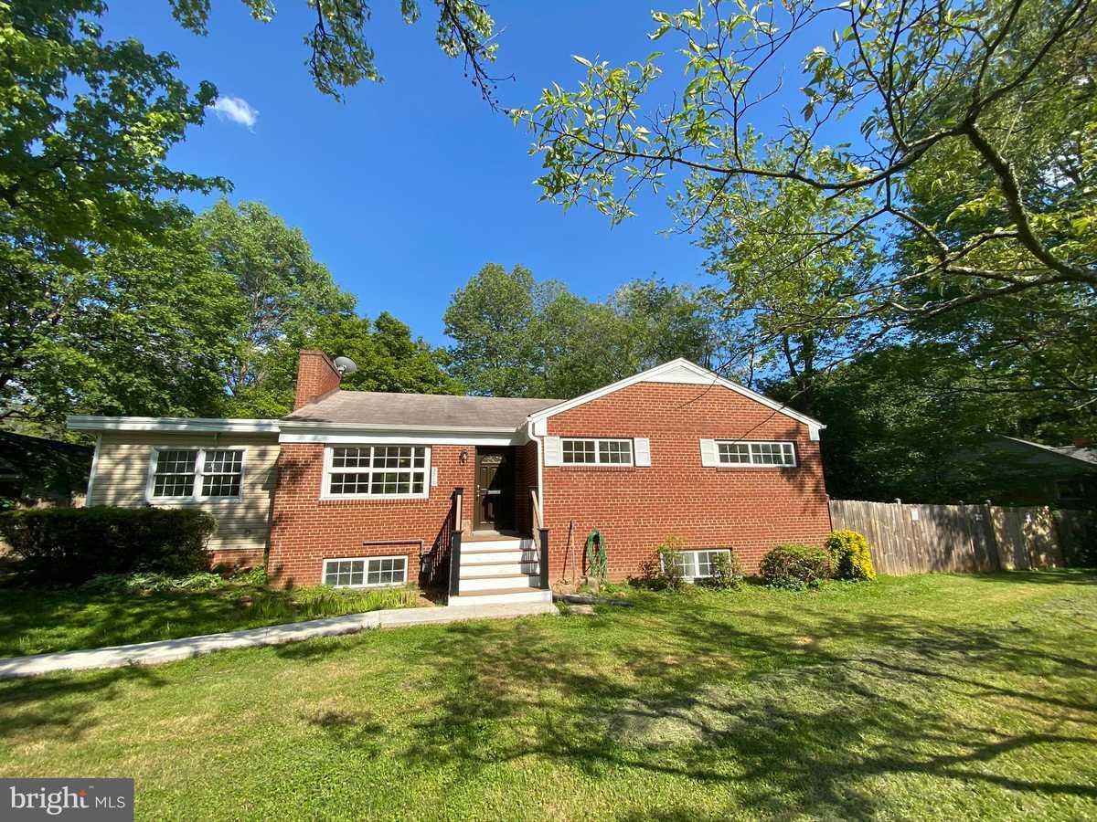 $799,000 - 6Br/3Ba -  for Sale in Knollwood, Falls Church