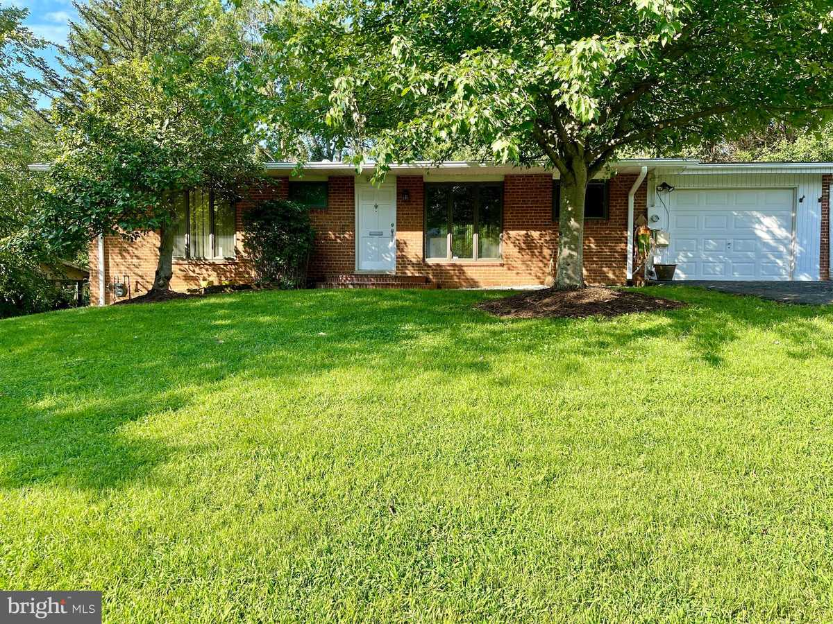 $975,000 - 3Br/3Ba -  for Sale in Grass Ridge, Mclean