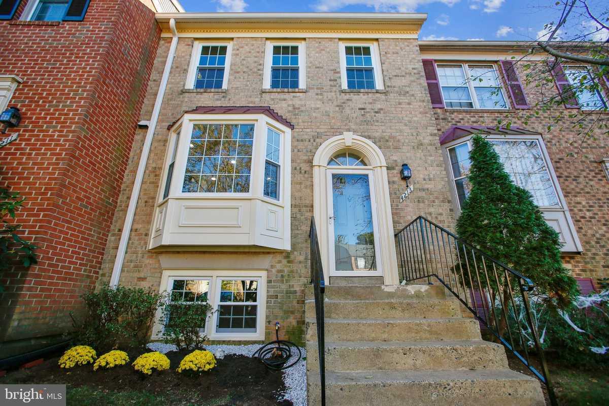 $559,900 - 4Br/4Ba -  for Sale in Fair Ridge, Fairfax