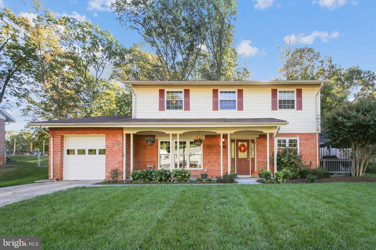 $689,000 - 4Br/3Ba -  for Sale in Kings Park West, Fairfax