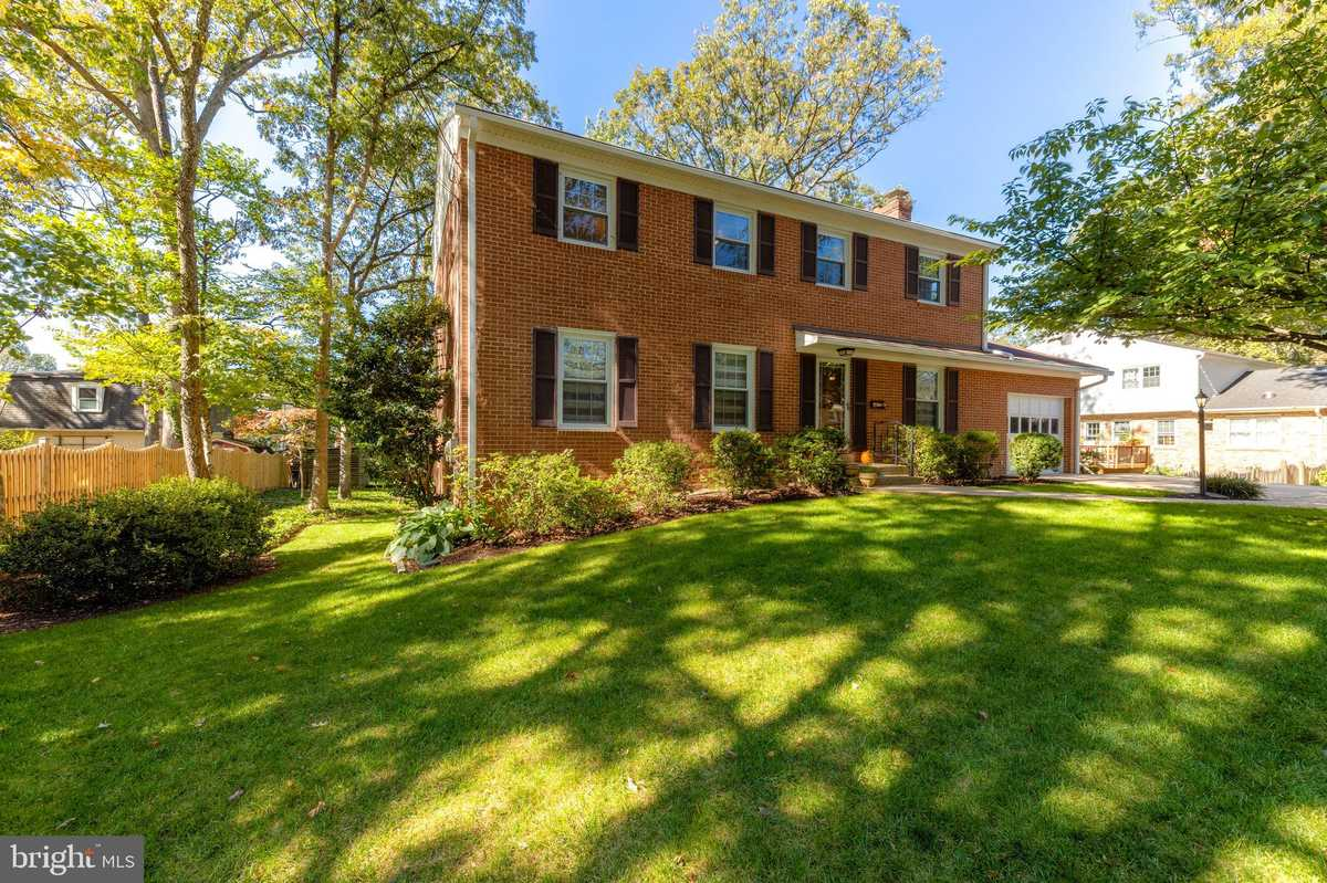 $749,950 - 4Br/3Ba -  for Sale in Bush Hill Woods, Alexandria