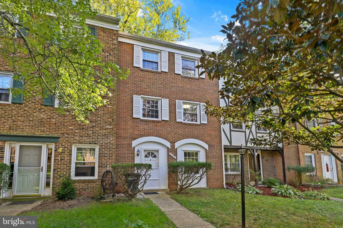 $414,900 - 3Br/3Ba -  for Sale in London Towne, Centreville