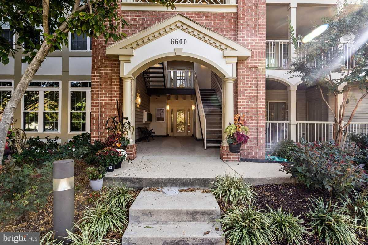 $377,900 - 2Br/2Ba -  for Sale in Cardinal Place, Alexandria