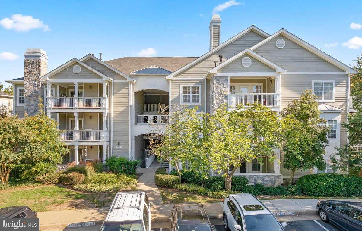 $279,000 - 1Br/1Ba -  for Sale in Edgewater At Town Center, Reston