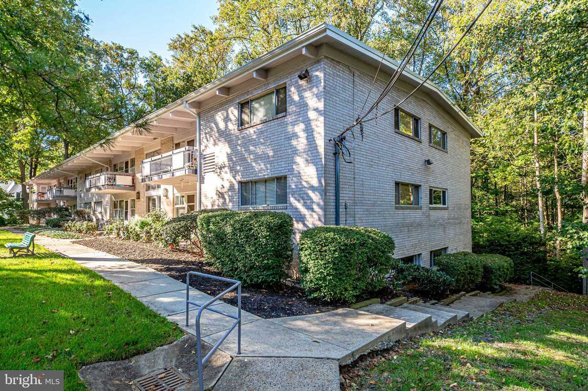 $235,000 - 3Br/1Ba -  for Sale in Heritage Woods North, Annandale
