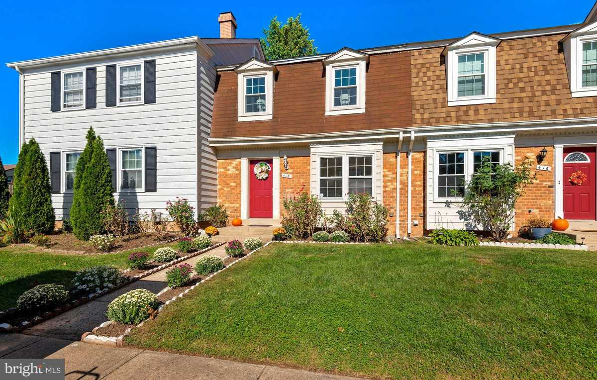$410,000 - 3Br/4Ba -  for Sale in Courts Of Chandon Town H, Herndon