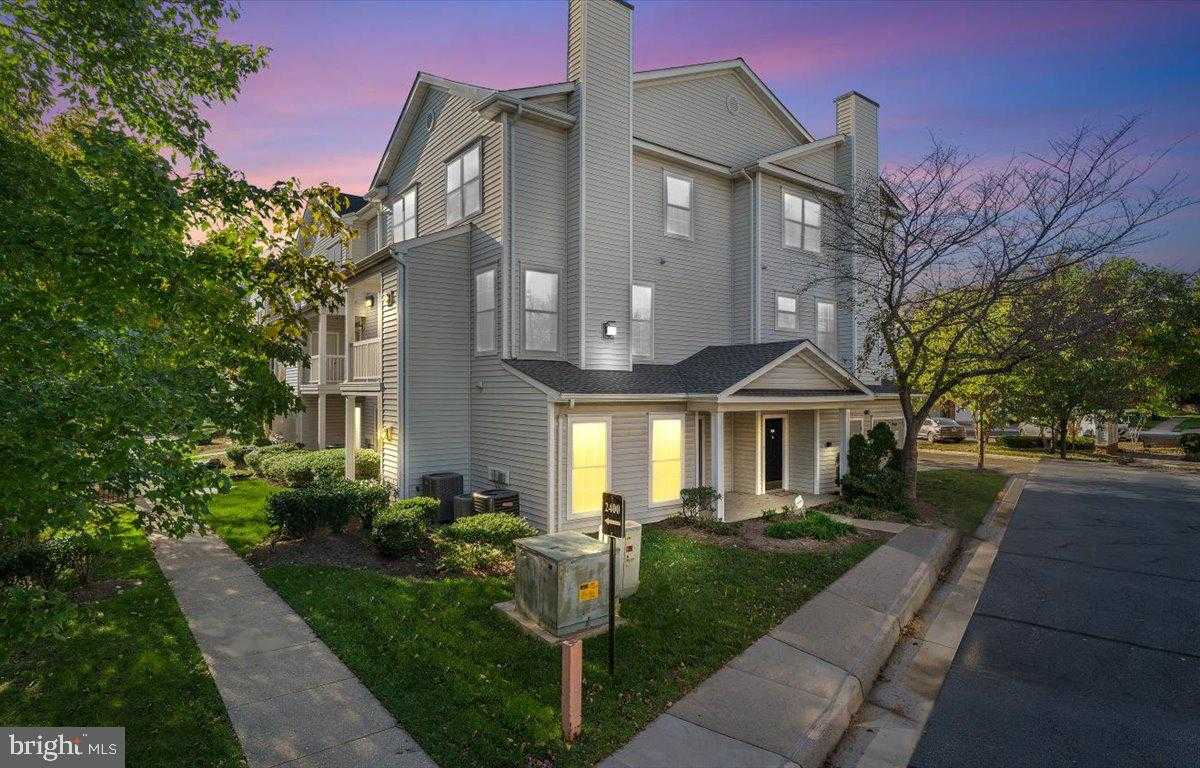 $375,000 - 3Br/2Ba -  for Sale in Fox Mill Station, Herndon