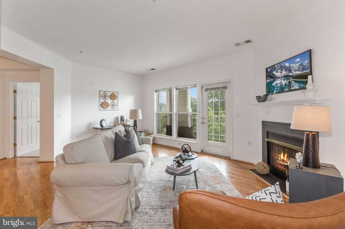 $414,900 - 2Br/2Ba -  for Sale in Hunters Branch, Fairfax