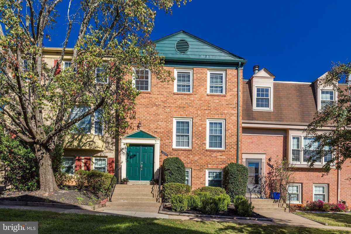 $570,000 - 3Br/5Ba -  for Sale in Kings Park West, Fairfax
