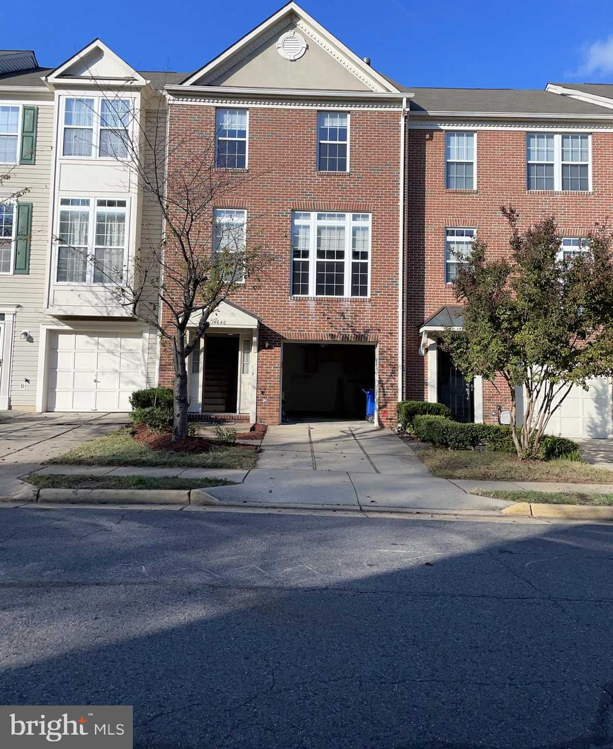 $490,000 - 3Br/3Ba -  for Sale in Woodgate Crossing, Centreville