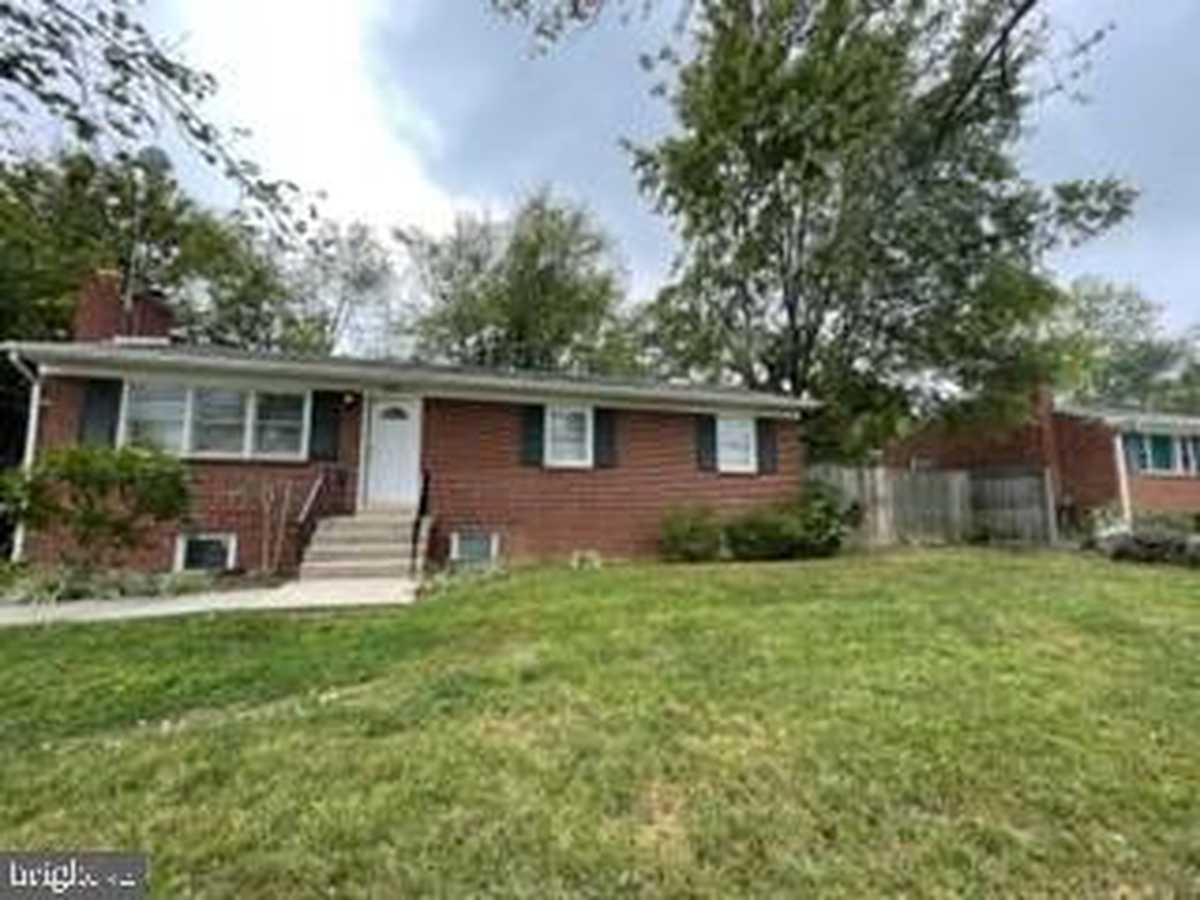 $2,700 - 3Br/3Ba -  for Sale in Mosby Heights, Herndon