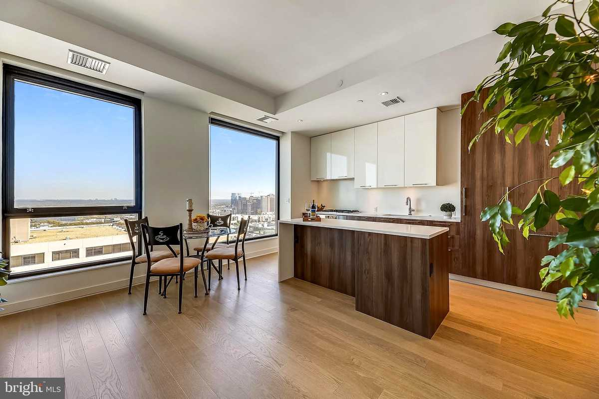 $590,000 - 1Br/1Ba -  for Sale in The Boro, Mclean