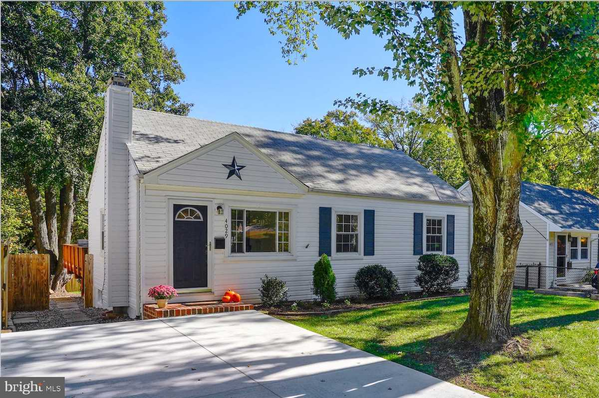 $609,900 - 3Br/2Ba -  for Sale in Singing Pines, Fairfax