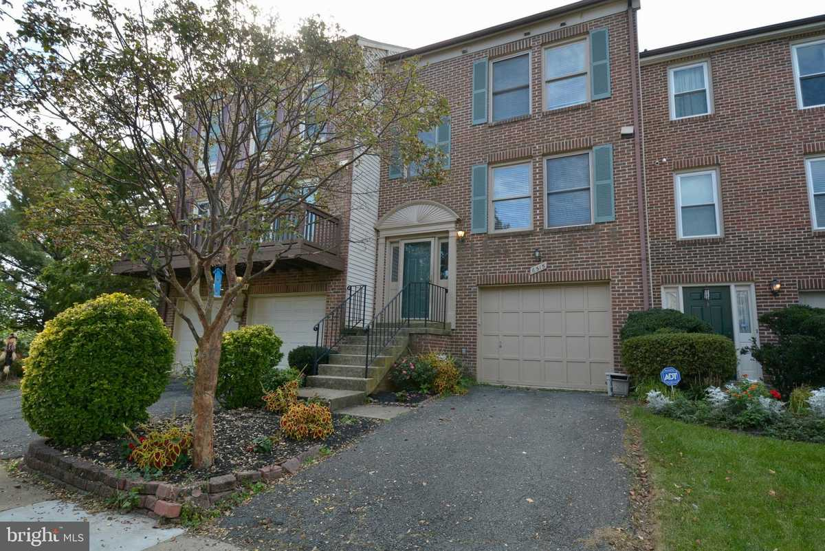 $590,000 - 2Br/4Ba -  for Sale in Pinecrest The, Alexandria