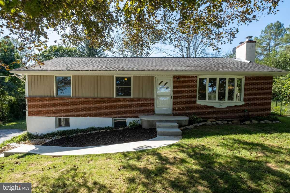 $285,000 - 3Br/1Ba -  for Sale in None Available, Coatesville