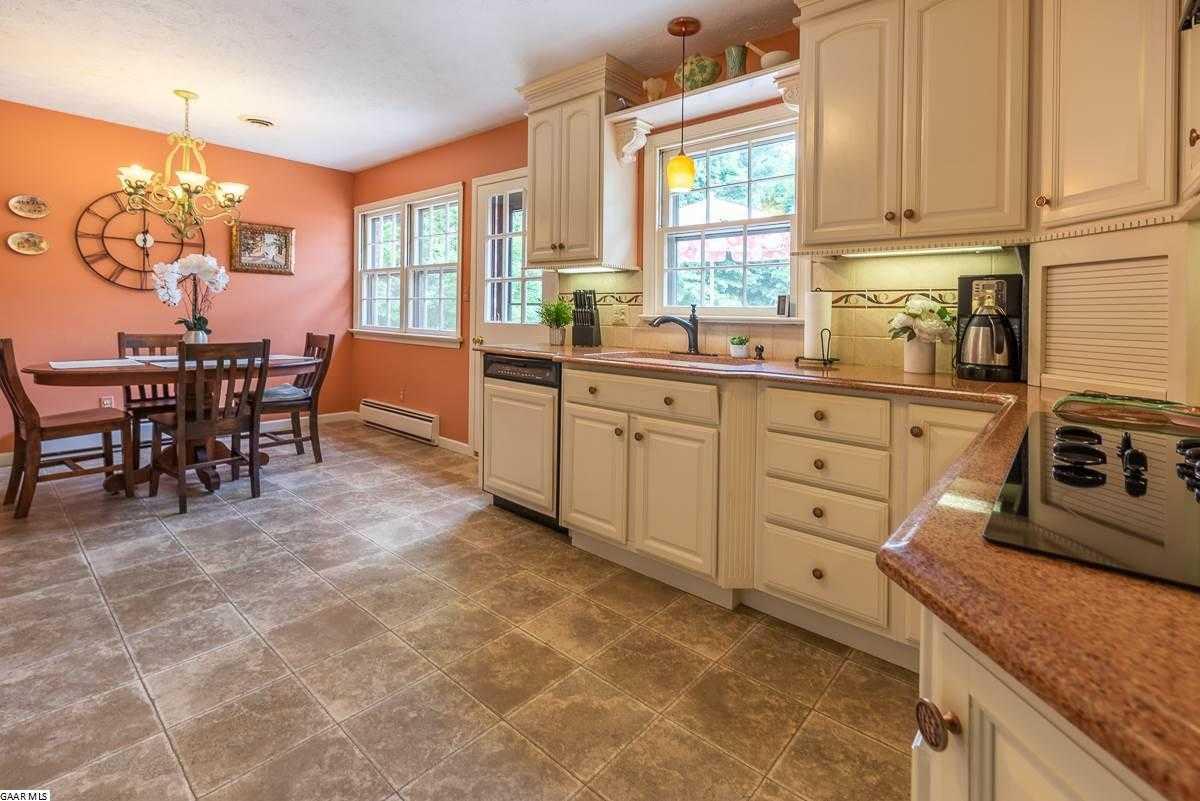 $299,900 - 4Br/3Ba -  for Sale in Stratford Farms (waynesboro), Waynesboro