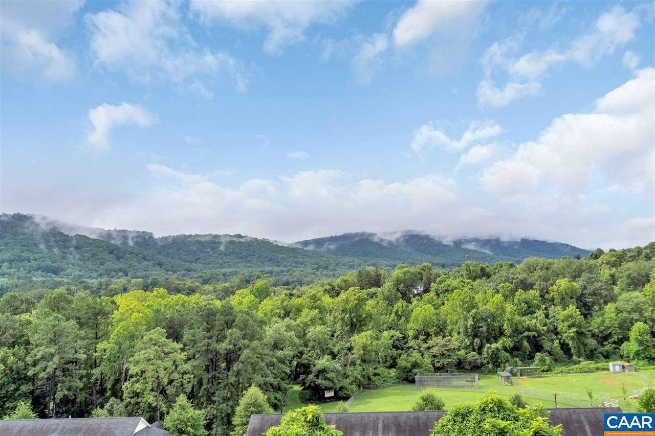 $160,000 - 2Br/2Ba -  for Sale in Monticello Overlook Condominiums, Charlottesville