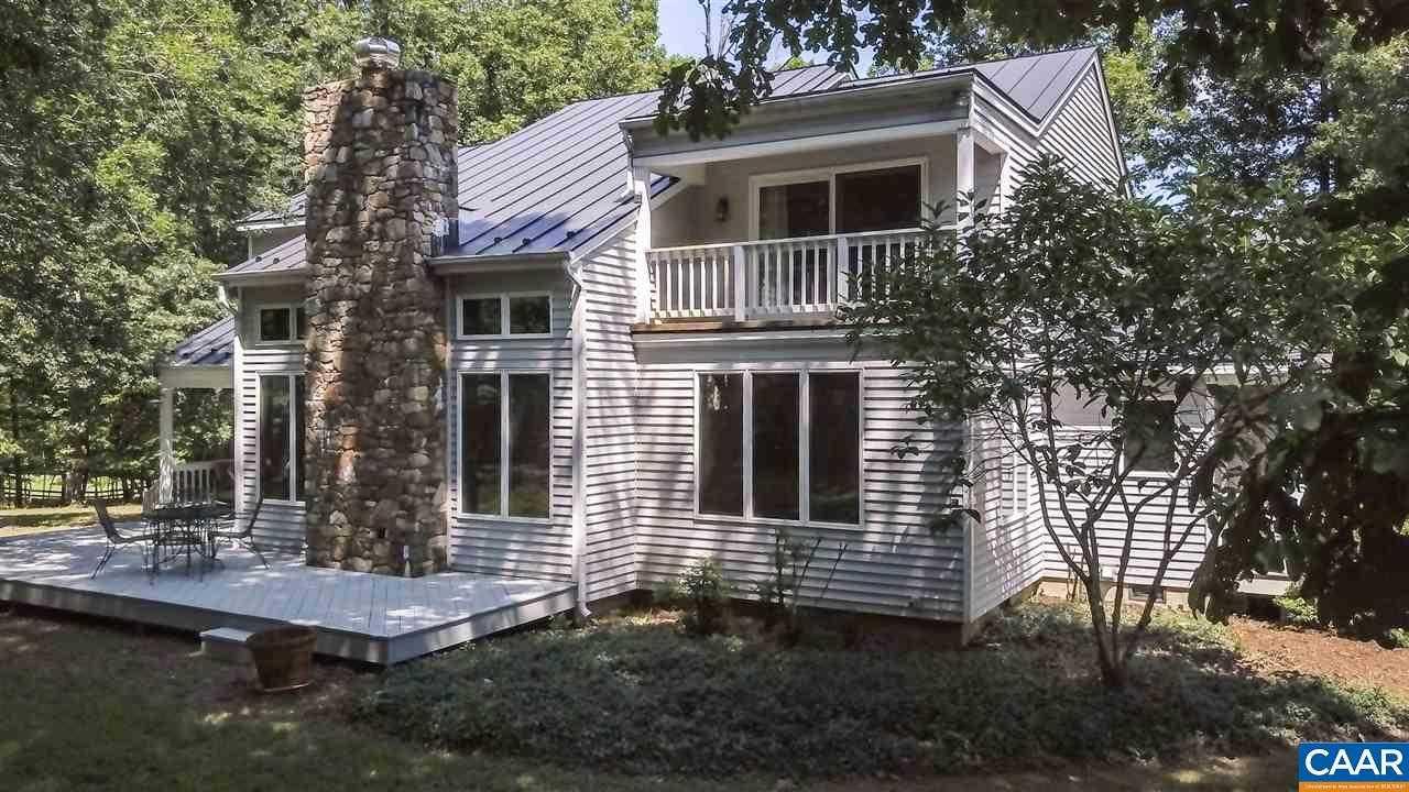 $735,000 - 3Br/3Ba -  for Sale in None, Keswick