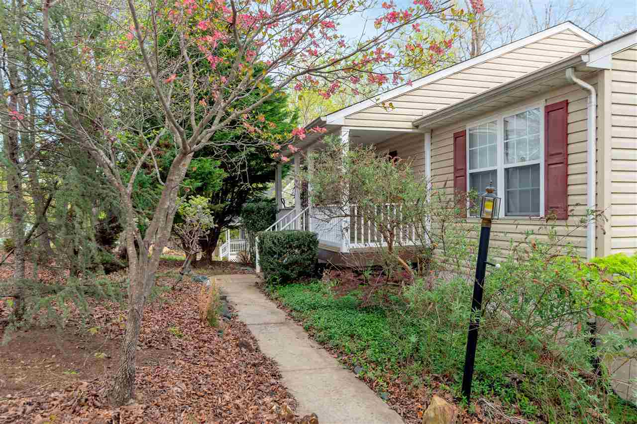 $205,000 - 5Br/3Ba -  for Sale in Lake Monticello, Palmyra