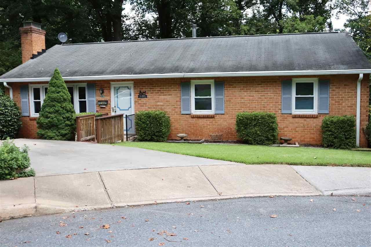 $450,000 - 3Br/3Ba -  for Sale in Lyons Place, Charlottesville