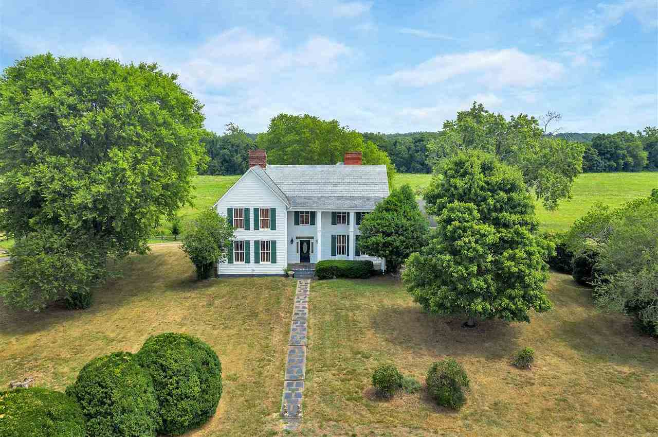 $1,050,000 - 4Br/3Ba -  for Sale in None, Arvonia