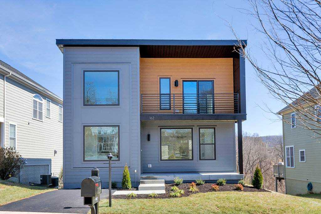 $452,400 - 3Br/3Ba -  for Sale in Belmont Point, Charlottesville