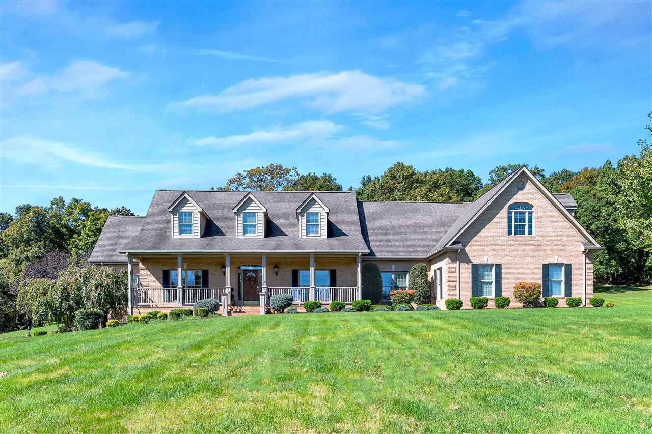 $939,900 - 5Br/6Ba -  for Sale in None, Staunton